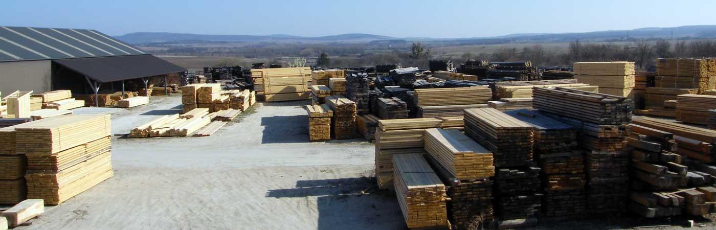 Különböző keresztmetszetű faanyagok